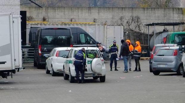 I carabinieri hanno messo sotto sequestro i capannoni
