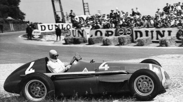 Juan Manuel Fangio, pilota Alfa Romeo nel Gran Premio d'Europa del 1951 (Ansa)