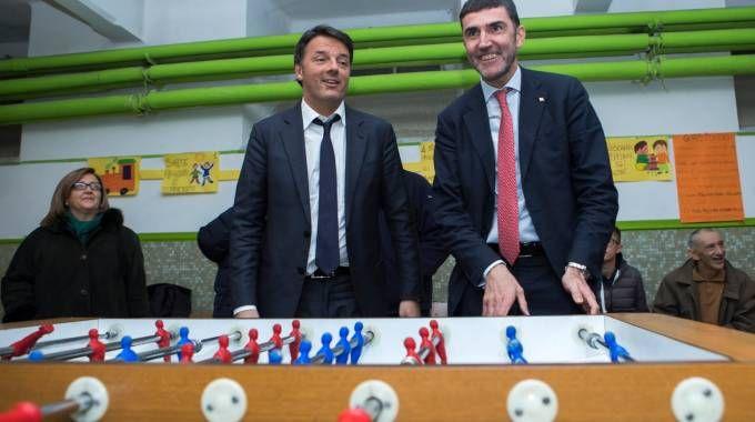 Renzi in visita alla scuola Cottolengo (LaPresse)