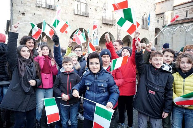 Foto di Gruppo con tricolore (foto Castellani)