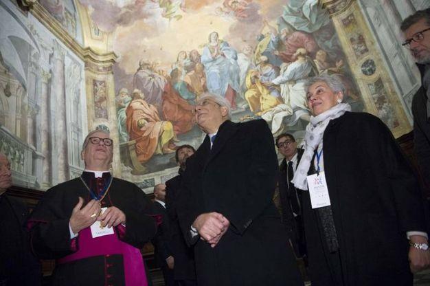 La visita del Presidente lla Chiesa di San Leone accolto dal Vescovo Mons.Fausto Tardelli,  (foto ANSA/UFFICIO STAMPA QUIRINALE/ FRANCESCO AMMENDOLA)