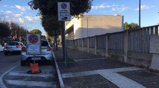 La nipote di Mussolini attesa a Civitanova, biblioteca blindata