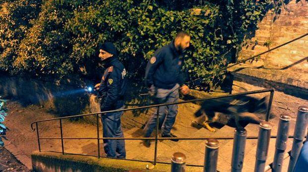 I controlli della polizia al parco di Fontescodella (foto Calavita)