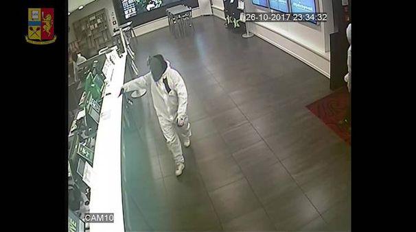 La rapina al Wincity ripresa dalle telecamere