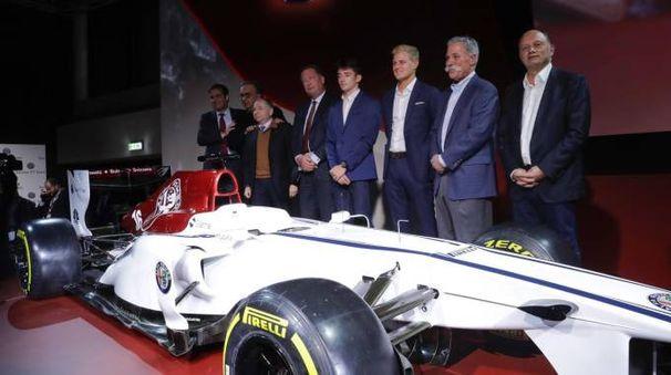 Sergio Marchionne alla presentazione del ritorno del marchio Alfa Romeo in F1 (foto Ansa)