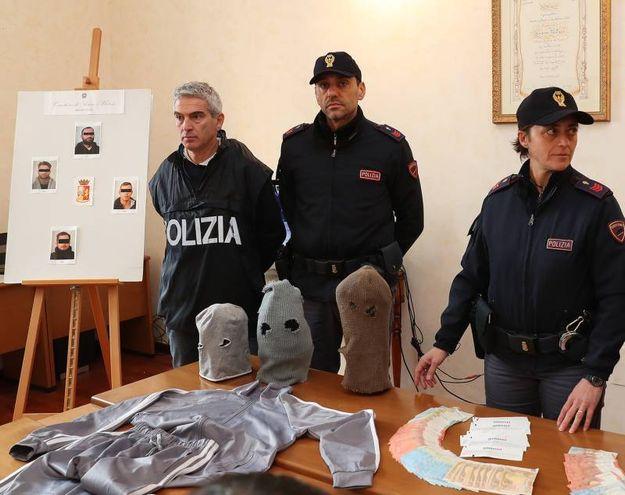 L'operazione che ha portato ai quattro arresti illustrata in una conferenza stampa (Fotoprint)