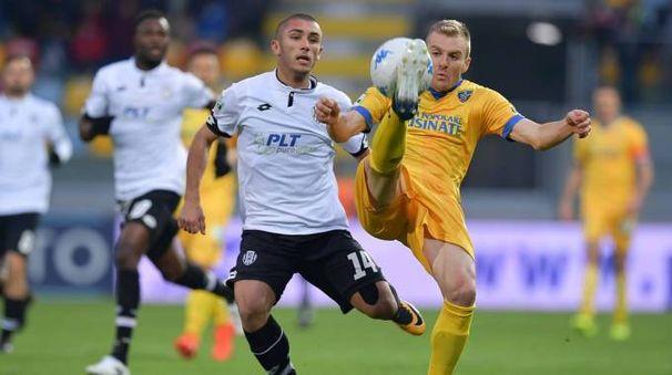 Tanti gol in Frosinone-Cesena terminata 3-3 (foto Lapresse)