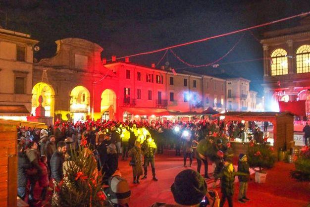 Grande festa per l'accensione del Natale a Rimini (foto Pasquale Bove)