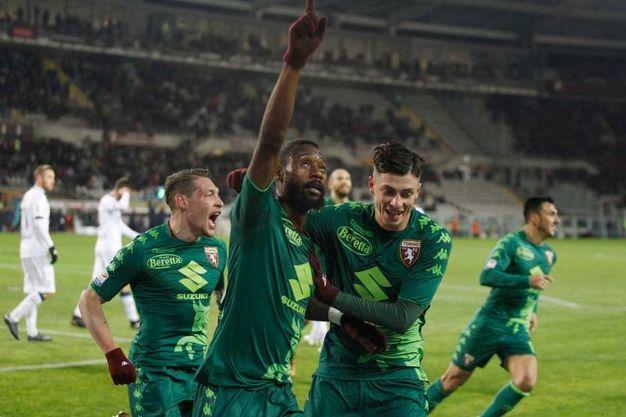 Nicolas N'Koulou del Torino festeggia il gol 1-0