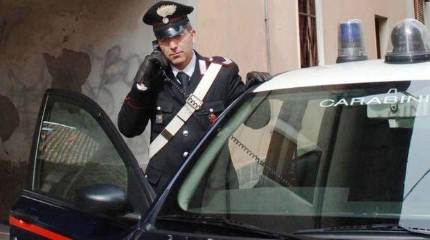 I carabinieri sono intervenuti in via Valle subito dopo l'aggressione (foto d'archivio)