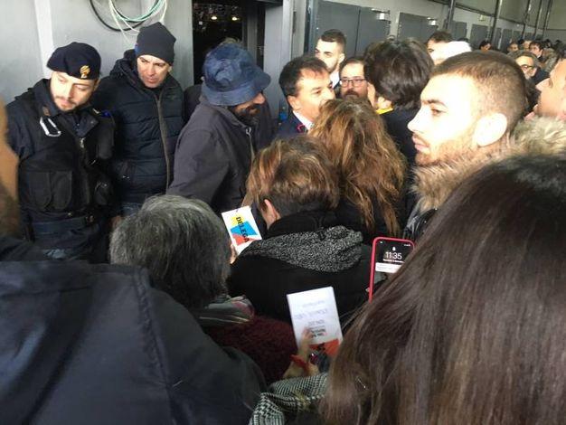 Caos  all'assemblea che incorona Pietro Grasso leader della nuova lista unitaria di sinistra (foto Moretto)