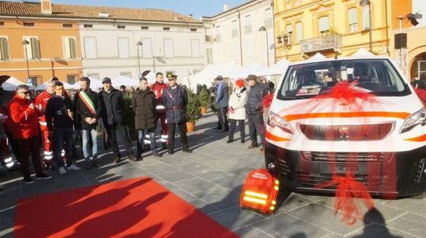 Luzzara, il nuovo veicolo della Croce Rossa (Foto Lecci)