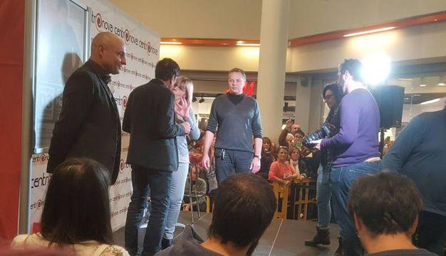 Gianni Morandi incontra i fans al Centronova di Villanova di Castenaso