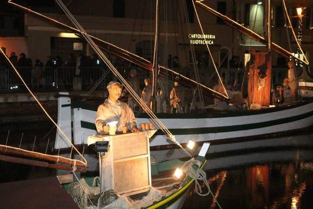 Ogni anno il Presepe si arricchisce di una nuova statua e un nuovo personaggio (foto Ravaglia)