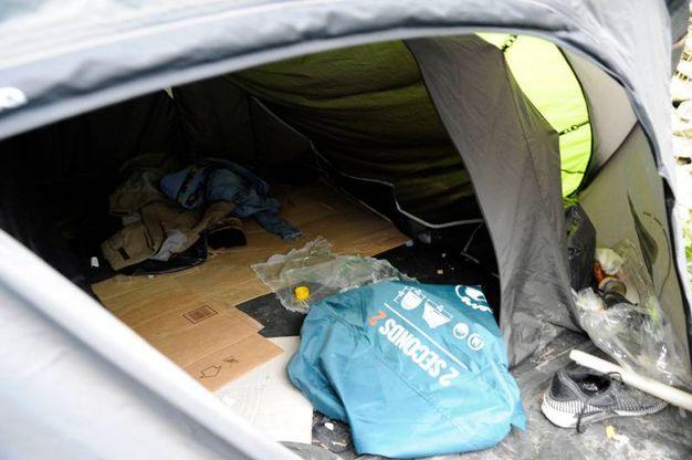 Le tende nel parco Fontescodella (foto Calavita)