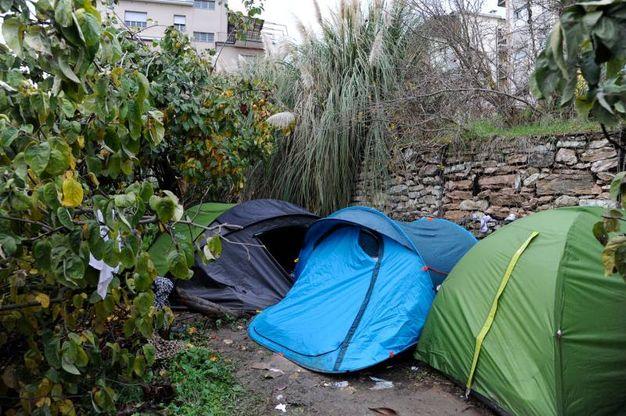 I rifugi di fortuna (foto Calavita)