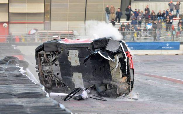 L'incidente è avvenuto nella curva, sotto le tribune (foto di Luigi Sani)