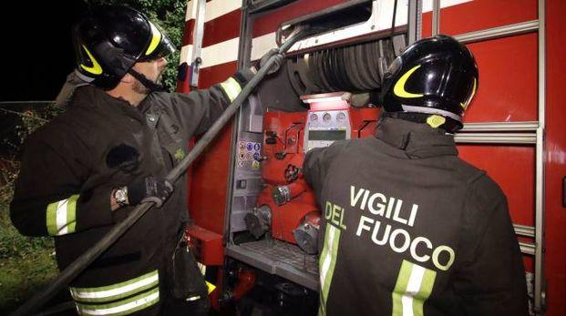 Vigili del fuoco in azione a Civitanova (foto d'archivio)