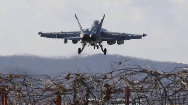 Air Force EA-18G  atterra nella base di Pyeongtaek in Corea (Ansa)