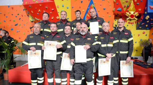 I vigili del fuoco premiati (foto Zeppilli)