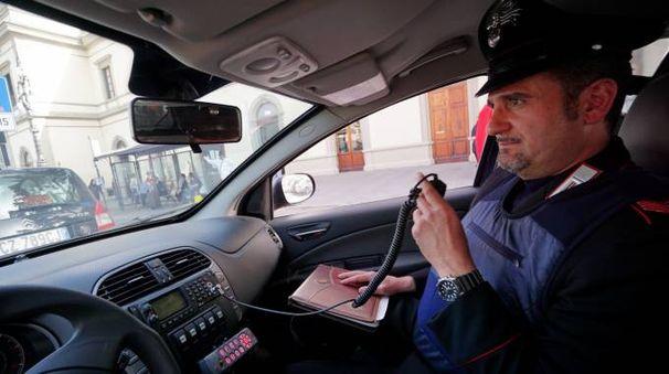 L'uomo è stato inseguito per una mezz'ora da polizia e carabinieri