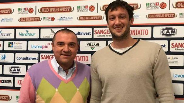Guido Rosselli con il presidente di Fortitudo Pallacanestro Christian Pavani