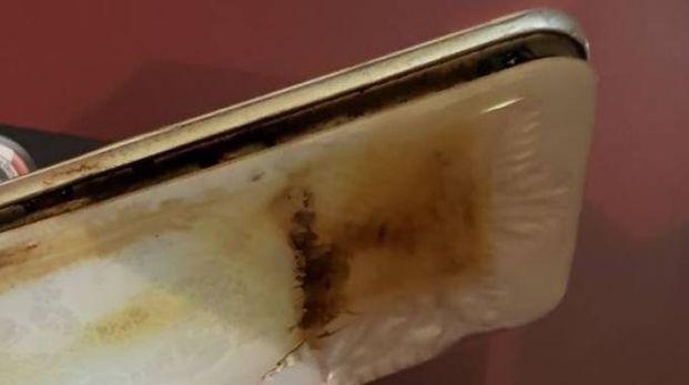 Lo smartphone bruciato
