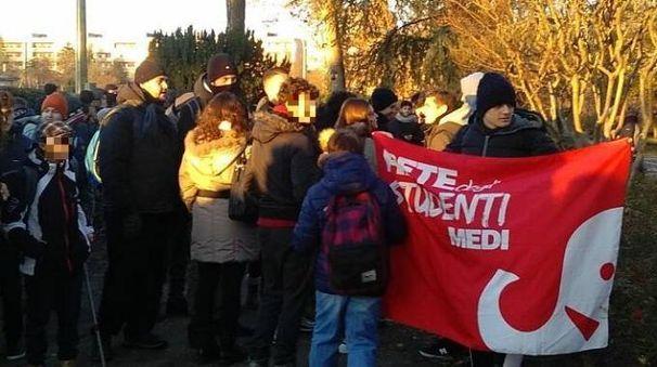 Bologna, i ragazzi del Serpieri in sciopero