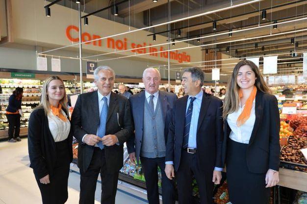 Il supermercato è caratterizzato da format e attrezzature innovative che consentono una riduzione dei consumi energetici e da scelte progettuali e impiantistiche orientate alla sostenibilità ambientale (Foto Frasca)