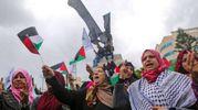 Donne protestano a Gaza city (foto AFP)