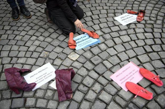 Il simbolo delle manifestazioni delle donne contro la violenza (Ansa)
