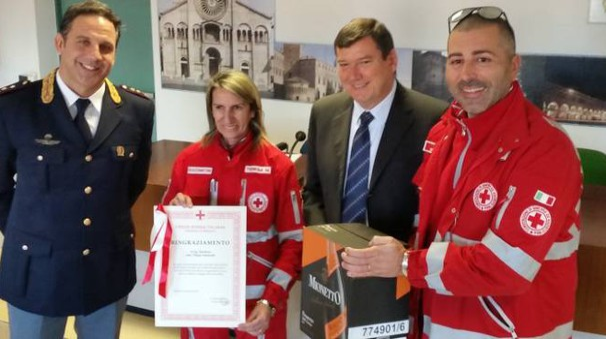 La donazione alla Croce Rossa Italiana