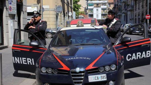 I carabinieri del Radiomobile in via Padova