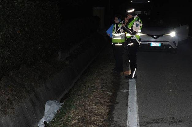 Inulti i soccorsi, la donna è morta sul colpo (foto Fiocchi)