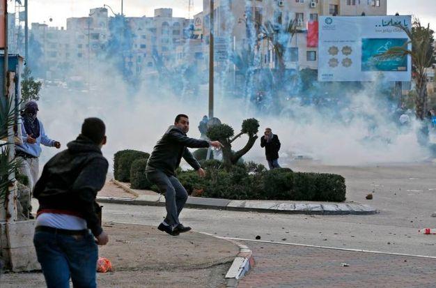 Lacrimogeni e lanci di pietre a Betlemme (foto AFP)