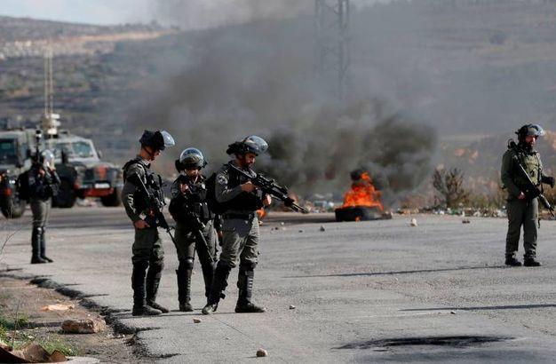 Esercito israeliano dispiegato nella West Bank (foto AFP)