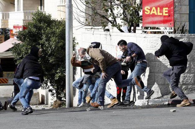 Disordini e scontri nella West Bank (foto Ansa)