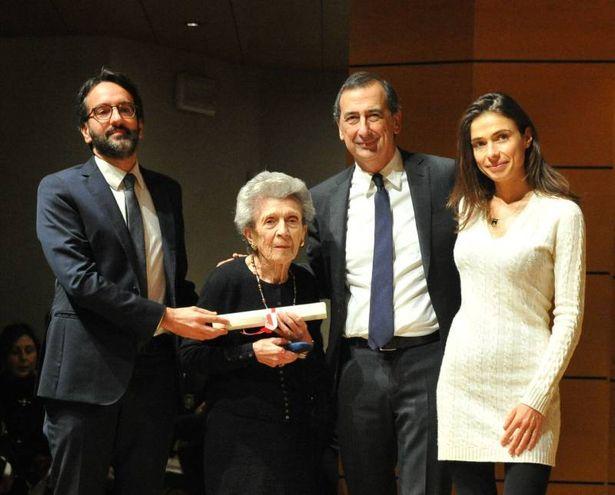 Ambrogino d'Oro alla memoria per Claudio  De Albertis, ritirano la mamma e la figlia
