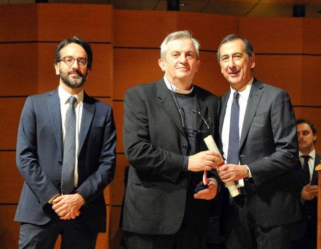 Il sindaco Sala con Lamberto Bertole e don Virgilio Colmegna, anima della Casa della Carità