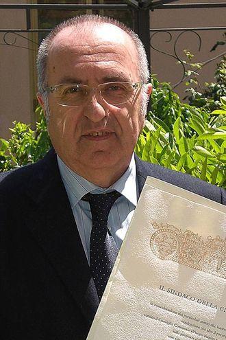 Un Leone Pantaleoni sorridente, per anni ha collaborato anche con il Resto del Carlino con i suoi giochi di parole (Fotprint)
