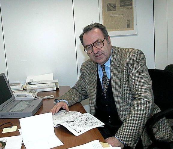 Leone Pantaleoni con la Settimana Enigmistica, con cui collaborava da 30 anni (Fotoprint)