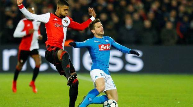 Mertens in azione contro il Feyenoord