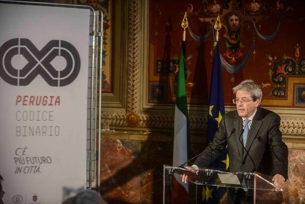 Perugia: il presidente del Consiglio, Paolo Gentiloni, firma la convenzione per il rilancio periferie (Crocchioni)