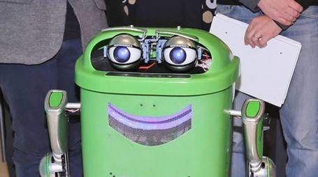 'Robidone', il robot costruito da Matteo Suzzi e Federica Ferri