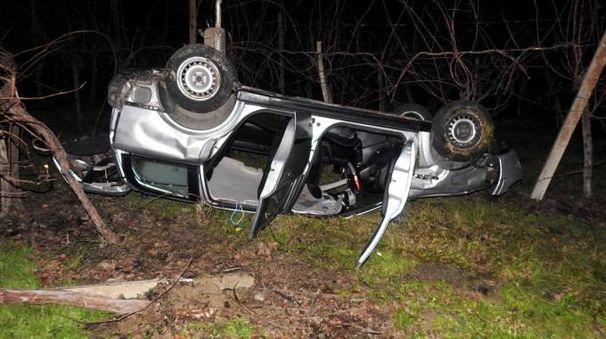L'auto è finita in una scarpata dopo un volo di almeno cinque metri (Scardovi)