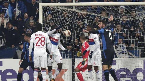 Europa League, il gol di Petagna in Atalanta-Lione (Ansa)