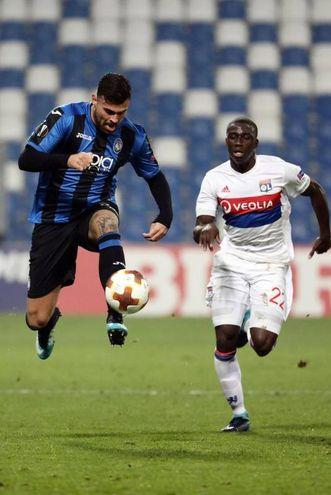 Atalanta Lione 1-0, gol di Petagna (Ansa)
