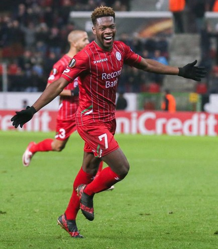 Zulte-Lazio 3-2, gol di Leya Iseka (Ansa)