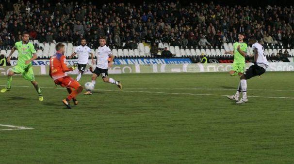 Il gol di Jallow (foto Ravaglia)