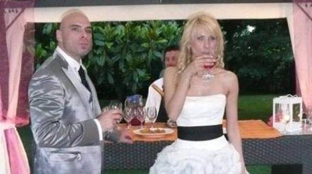 Antonella Barbieri con il marito Andrea nel giorno della nozze